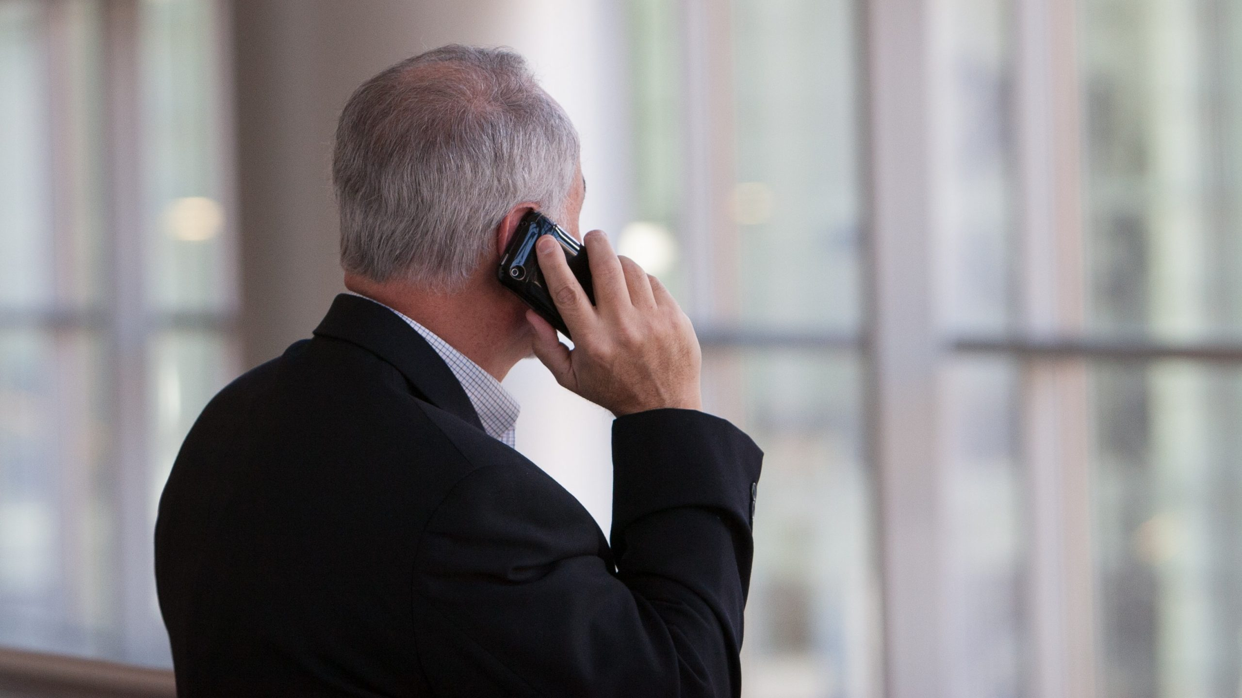 What is Cold Calling: definition, meaning, tips