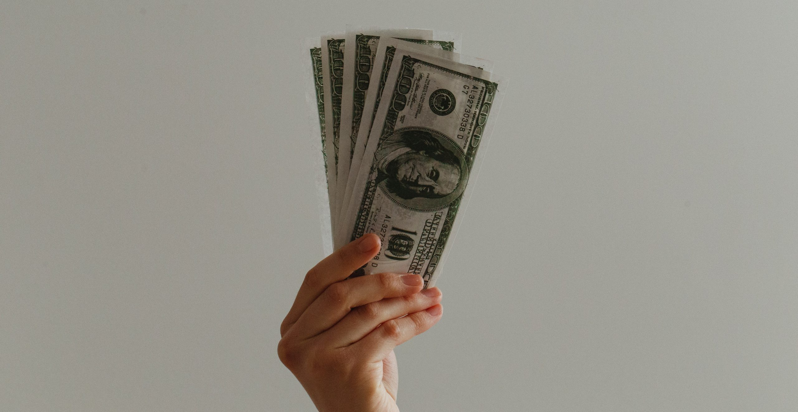 What is Sales Compensation: definition, examples, and tips