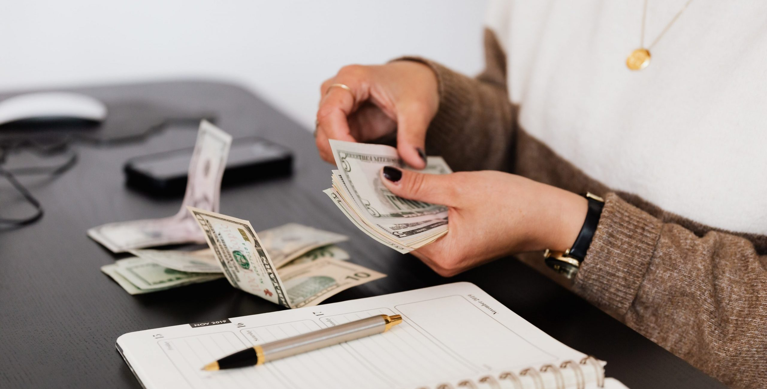 What is Base Salary: definition and ways to determine it